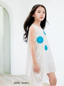 KIKI小鬼当家白色连衣裙