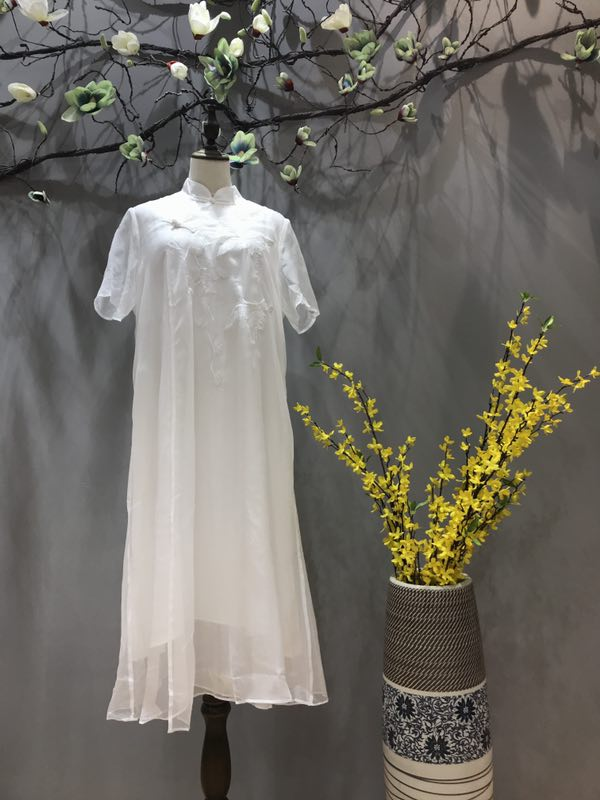 山川布衣品牌19夏季新款女装尾货批发