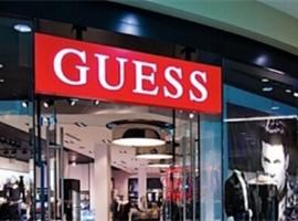 创始人性骚扰丑闻笼罩下 Guess 股价狂跌17%