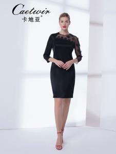 卡地亚女装优雅小黑裙