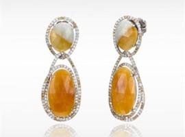 英皇珠宝去年多赚65.5% 净赚2.69亿港元