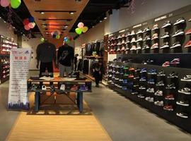 耐克将在中低档球鞋市场发力 但这个市场有点拥挤