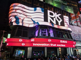 收购品牌DKNY重生 G-III全年收入突破30亿美金