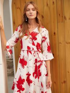 2019EI女装红色印花裙