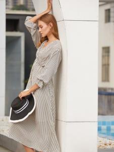 2019EI女装条纹连衣裙