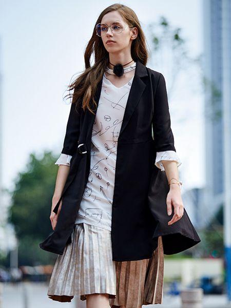 37°生活美学黑色极简外套