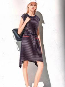 衣魅人条纹休闲连衣裙
