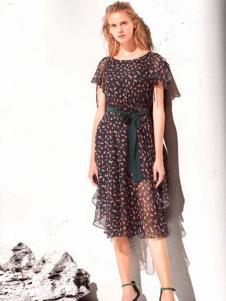 衣魅人品牌折扣波点连衣裙