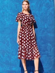 衣魅人波点连衣裙