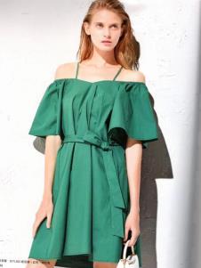 衣魅人女装一字肩绿色连衣裙