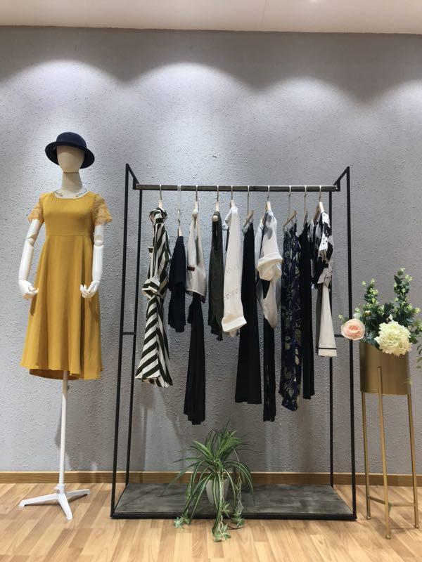 枺上LeeMonsan女装19夏季一手货源走份批发