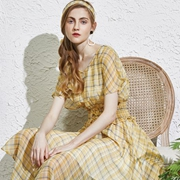 南法风情,安卡茜的春夏浪漫连衣裙