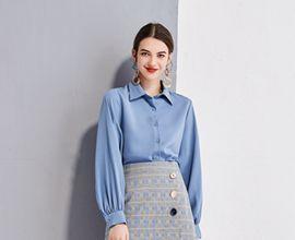 热烈祝贺中国服装网协助艾丽哲女装喜签加盟商!