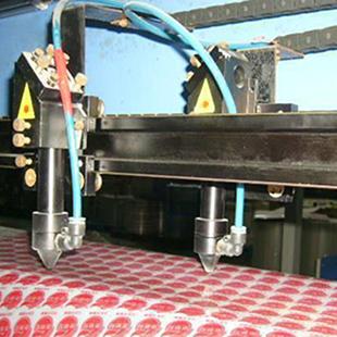 服裝激光切割機一手貨源,博羅縣園洲鎮穩鑫服裝激光加工廠