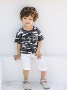 2019城秀男小童?#30007;?#27454;黑色印花T恤
