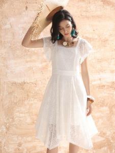 betu百图女装白色连衣裙