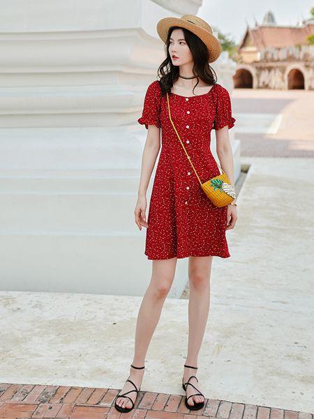 搜美女装酒红色连衣裙