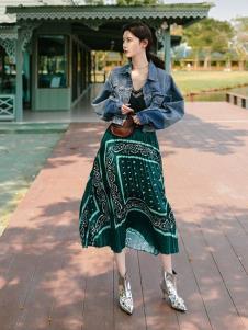 搜美女装民族风复古连衣裙