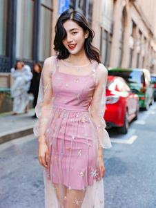 搜美女装粉色淑女裙