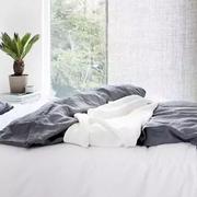 新申亚麻大师 | 亚麻面料床品,春天舒适睡眠的秘密。