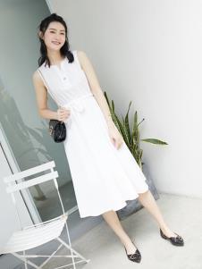 果一果女孩白色连衣裙
