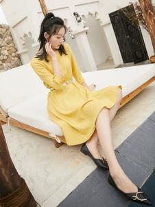 果一果女孩黄色连衣裙