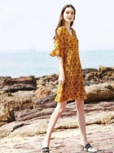 惠之良品品牌折扣女装黄色连衣裙