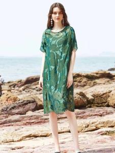 惠之良品品牌折扣女装绿色连衣裙