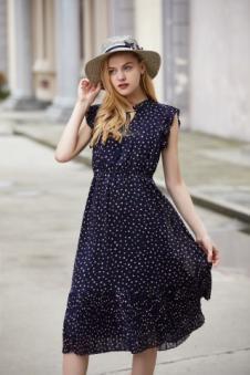 唯媚女装藏青波点连衣裙
