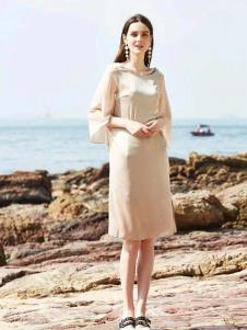 惠之良品品牌折扣女装极简连衣裙