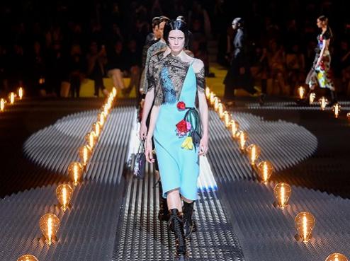 "Prada首次在米兰以外举办男装大秀 ""落地""上海"