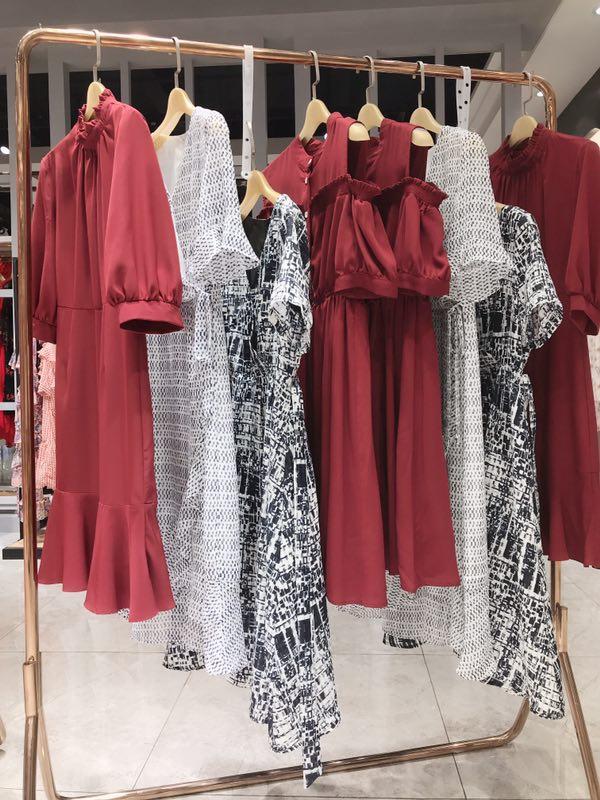 麦嬉乐品牌女装连衣裙一手货源