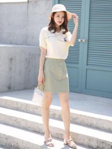 讴歌德夏装白色连衣裙