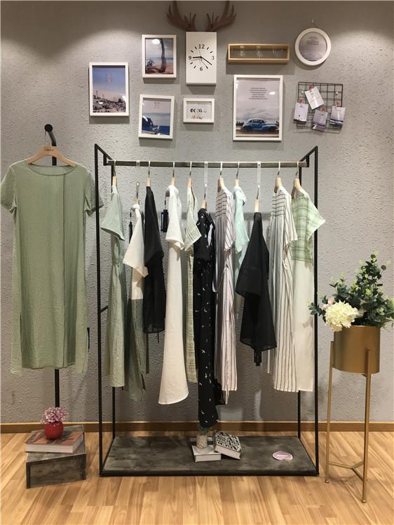 慕拉慕丝品牌2019女装折扣批发