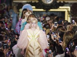 从Schiaparelli到Poiret,老牌时装屋为何难以复兴?