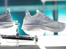 """国产跑鞋强调科技,为何总要在""""轻""""上做文章?"""