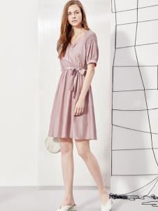 2019丽芮女装粉色连衣裙