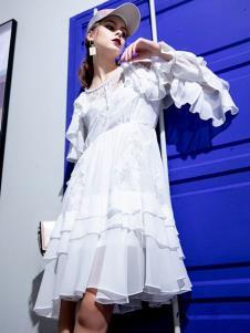 飞范女装白色个性连衣裙