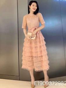 雨珊女装粉色时尚连衣裙