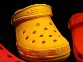 """经典易穿舒适 """"洞洞鞋"""" Crocs重新闪耀零售界"""