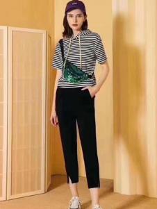 夺宝奇兵品牌折扣女装夏款T恤