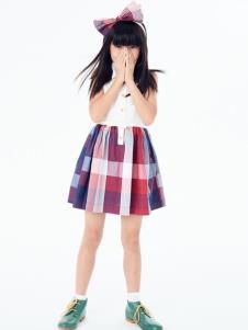 可米芽童装女童可爱格子裙
