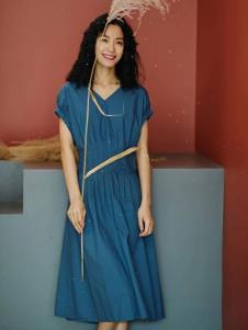 2019碧成萱女装连衣裙