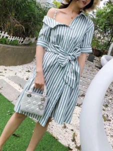 2019碧成萱女装夏露肩连衣裙