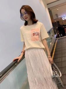 2019碧成萱女装白色半裙