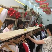 祝贺金蝶茜妮女装深圳又一店铺盛大开业