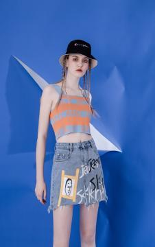 MOOSY橙色字母印花吊带上衣