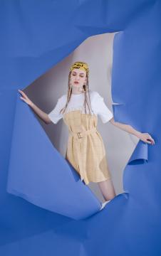MOOSY黄色格纹拼接T恤连衣裙