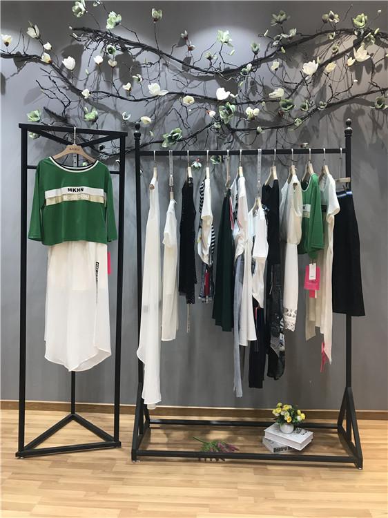 马克华菲品牌2019夏装折扣女装批发