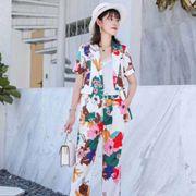 爱依莲女装夏季小香风西装,逛街凹造型实在很能吸引眼球